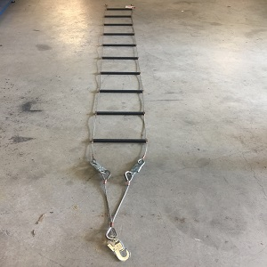 Stainless Steele Ladder With Non Slip FInish